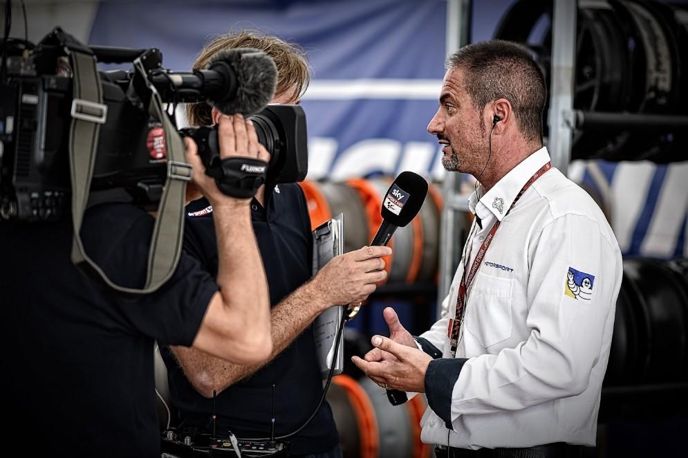 Il responsabile Piero Taramasso intervistato dalla televisione