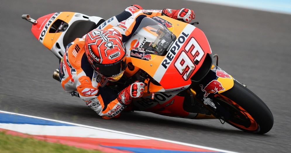 Marc Marquez in azione sulla sua Honda in Argentina