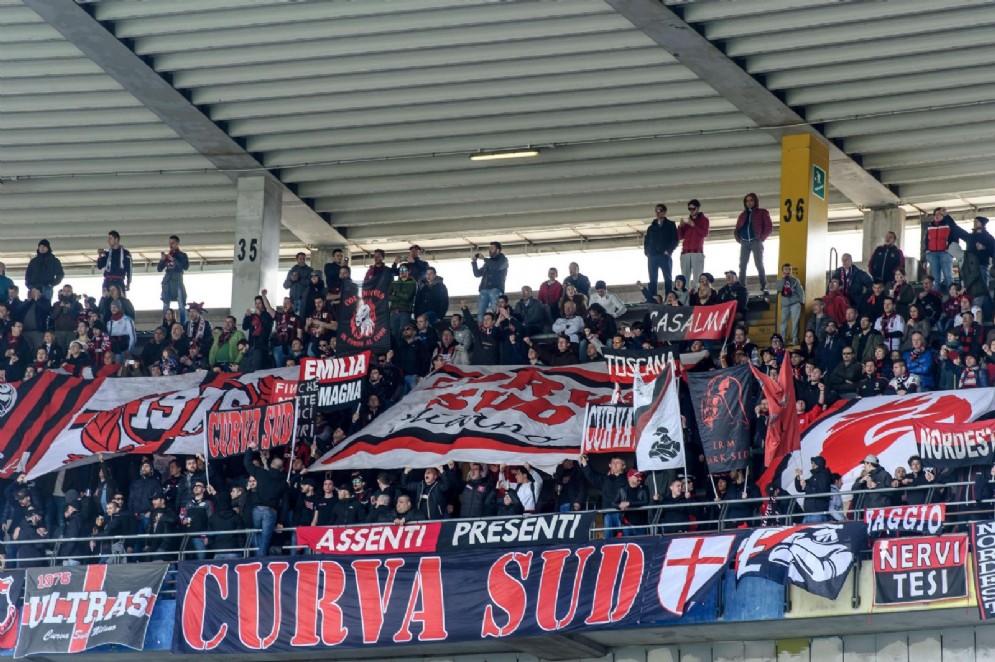 I tifosi del Milan attendono con ansia di rivedere i rossoneri in lotta per le vittorie