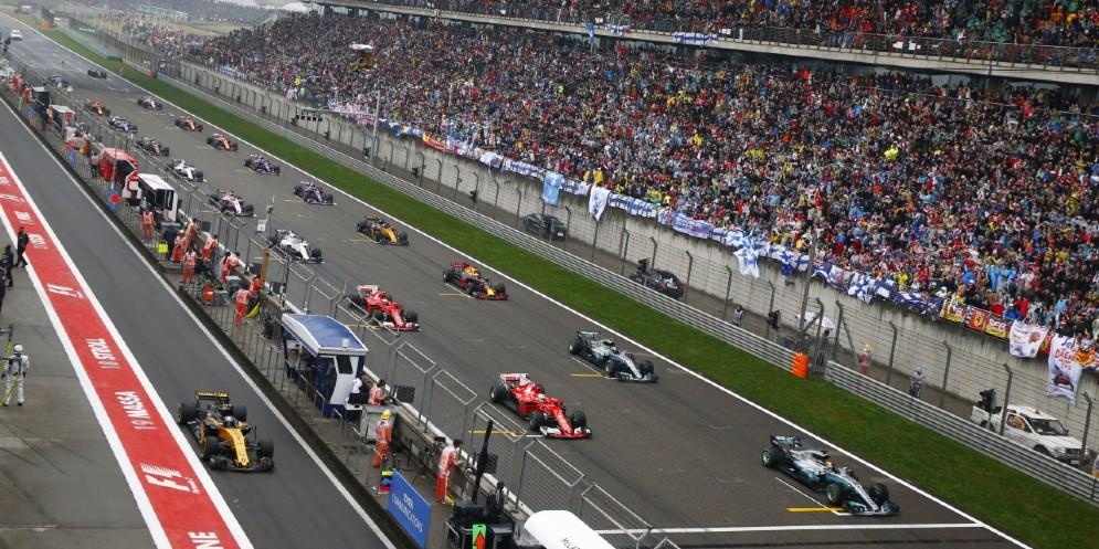 La griglia di partenza del GP di Cina con Sebastian Vettel spostato sulla sinistra