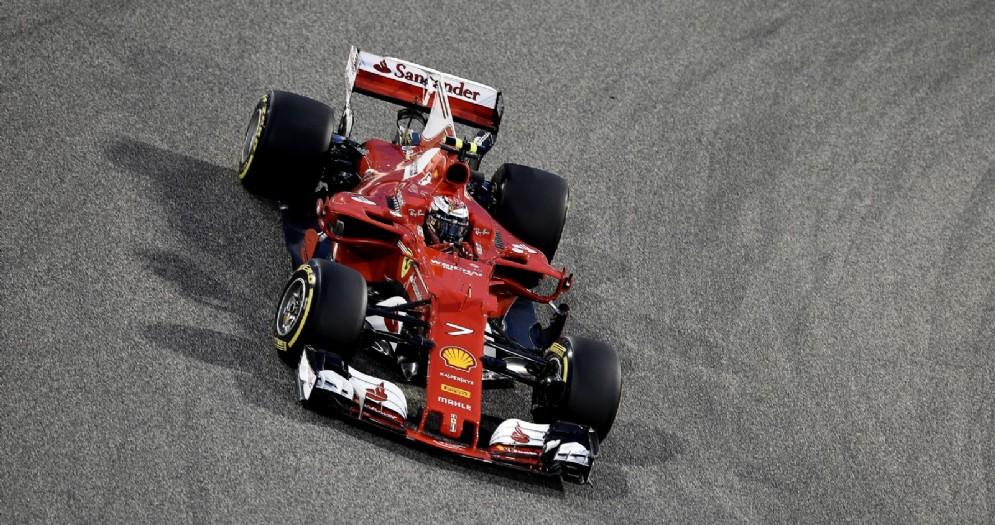 Kimi Raikkonen in azione durante le qualifiche in Bahrein