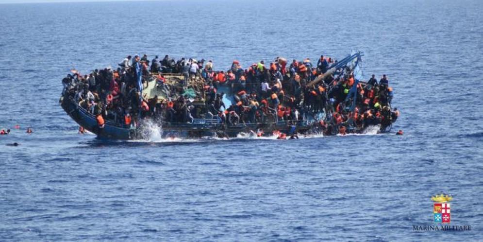 Gli sbarchi non si fermano: 700 migranti arrivati a Reggio Calabria