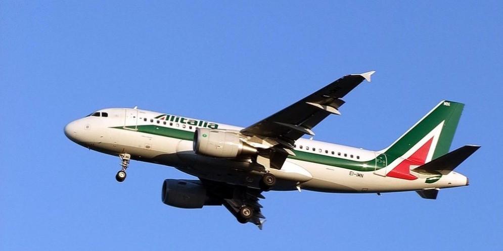 Alitalia si avvia verso il commissariamento e la liquidazione.