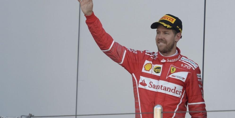 Sebastian Vettel sul podio del Gran Premio di Russia