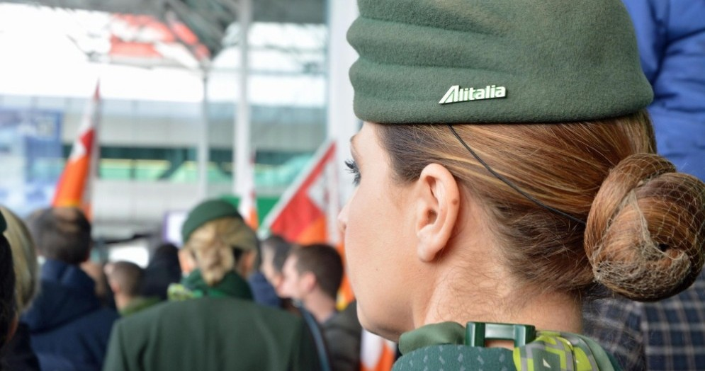 Alitalia procede verso il commissariamento.