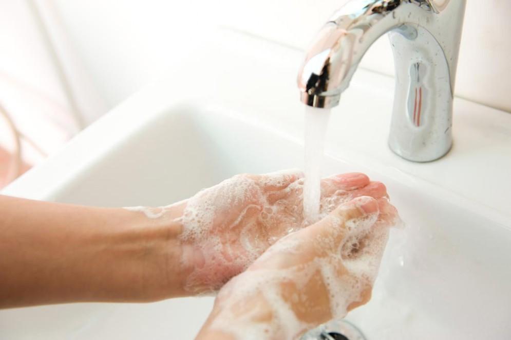 Lavarsi bene le mani è importante