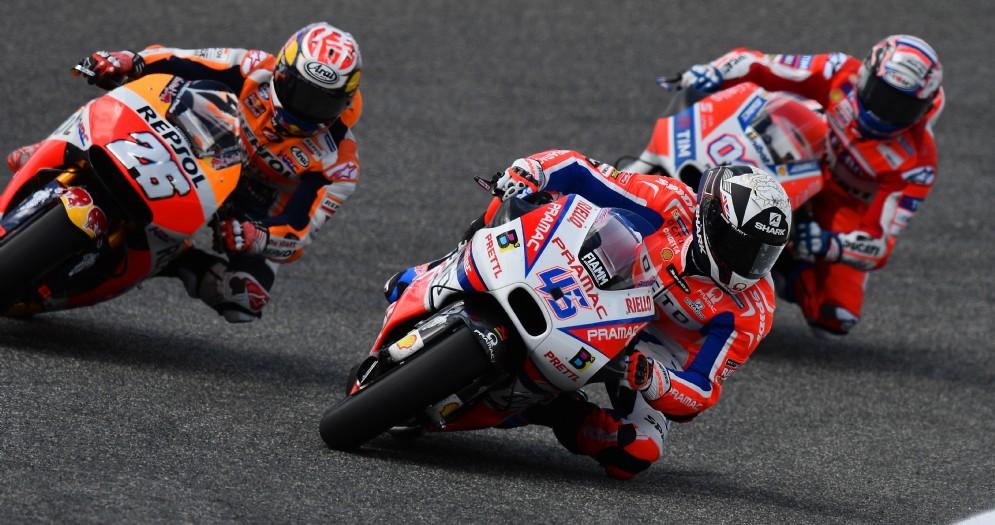 Dani Pedrosa su Honda supera le Ducati di Andrea Dovizioso e Scott Redding