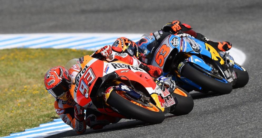 Marc Marquez in azione sulla sua Honda nelle prove libere a Jerez