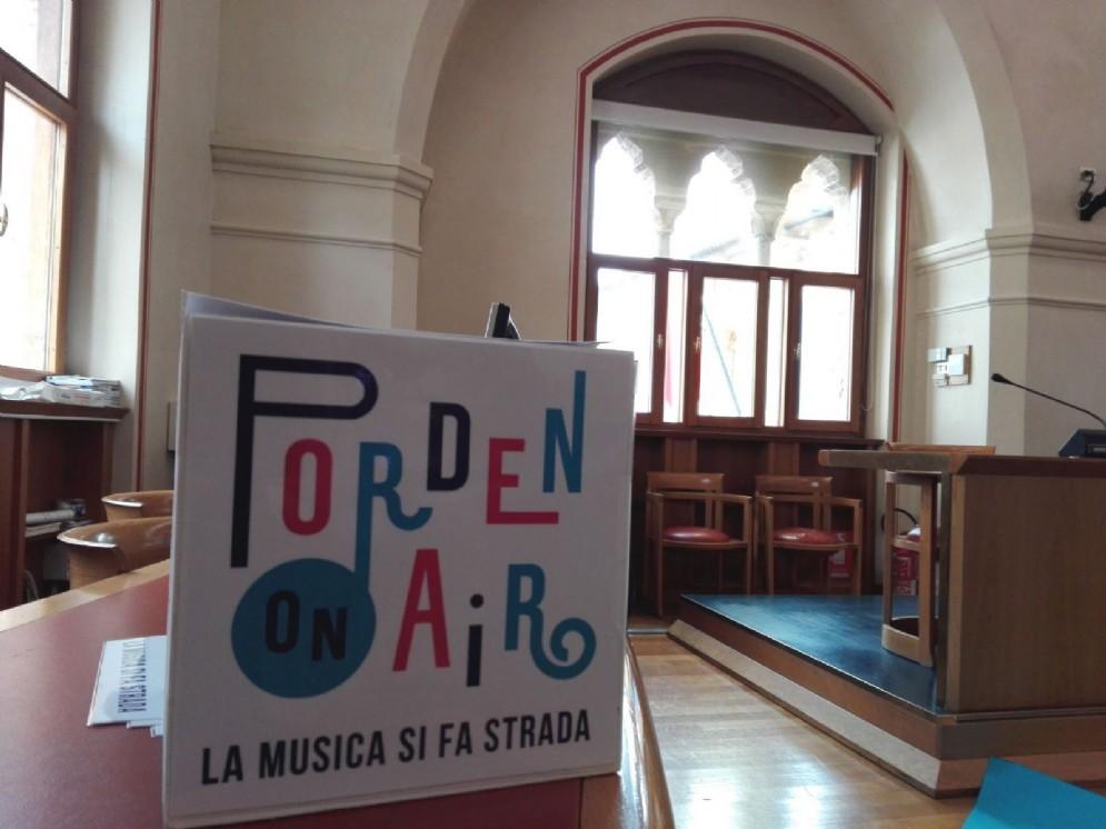 """Per iniziativa del Comune nasce """"PordenonAir"""", il festival dei musicisti e artisti di strada"""