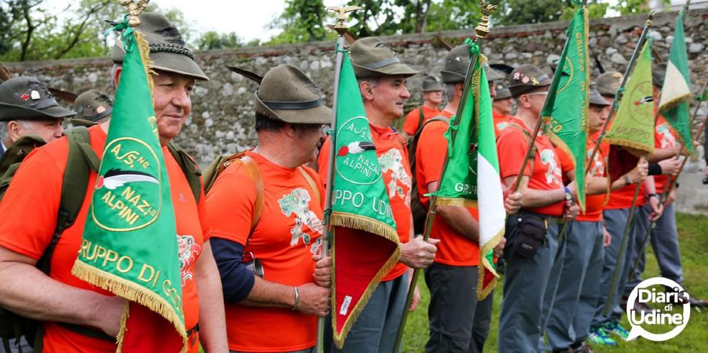 Partiti gli alpini di Udine in direzione Treviso