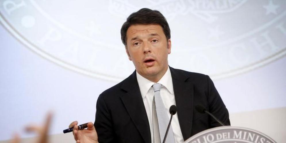 Scontro Renzi-De Bortoli. L'ex premier: «Ha un'ossessione contro di me». La replica: «Non è così»