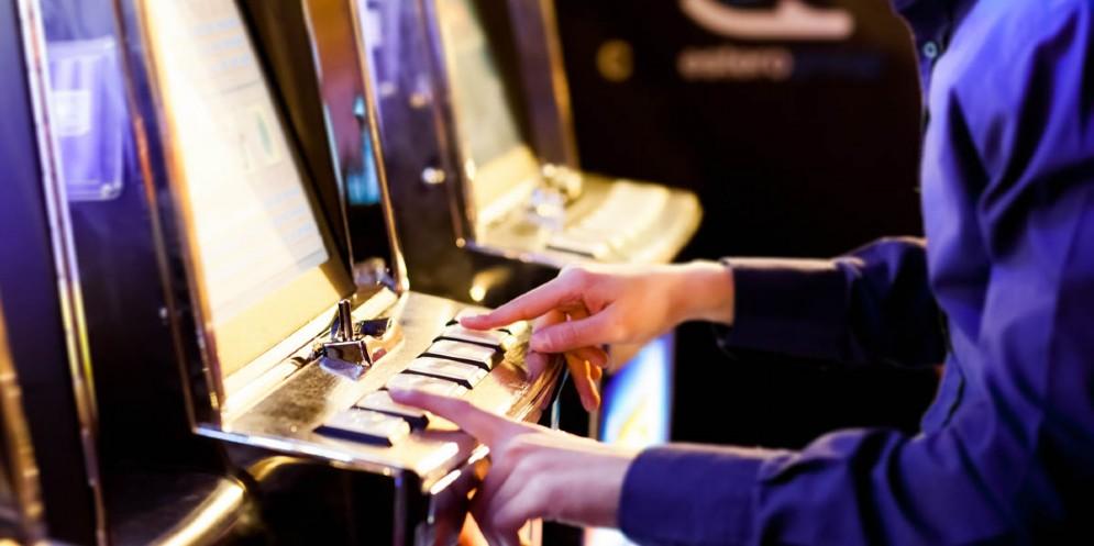 Gioco d'azzardo: in Fvg 9.500 slot machines e giro d'affari di 1,3 milioni