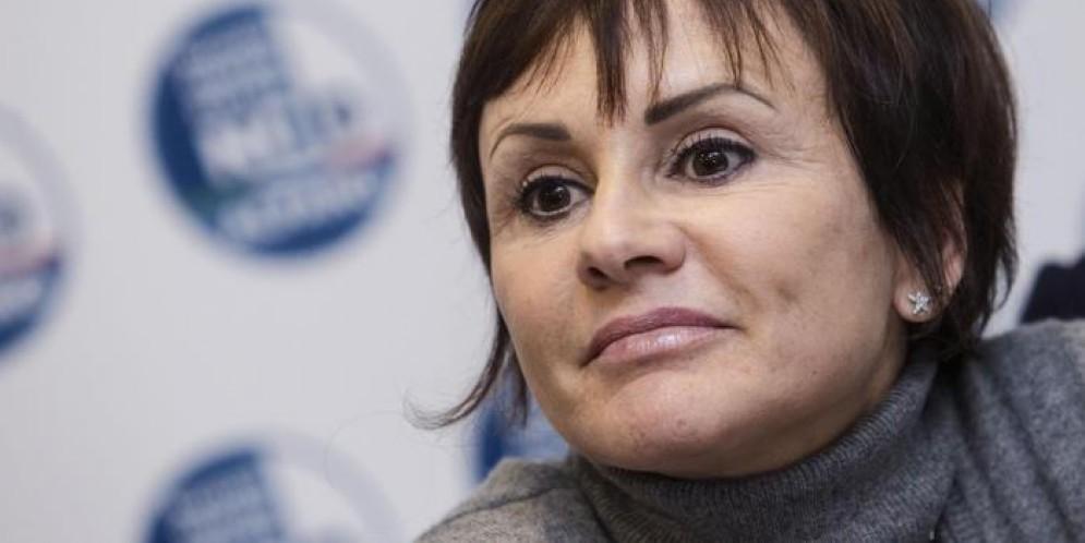 Simona Vicari al Corriere della Sera: «L'orologio è solo un regalo. Chi corrompe non ringrazia»