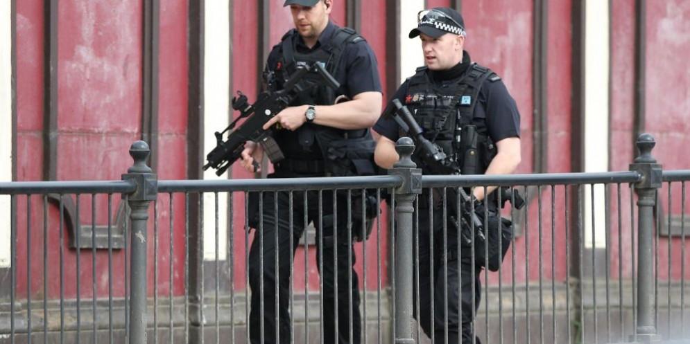 Poliziotti sul luogo della strage