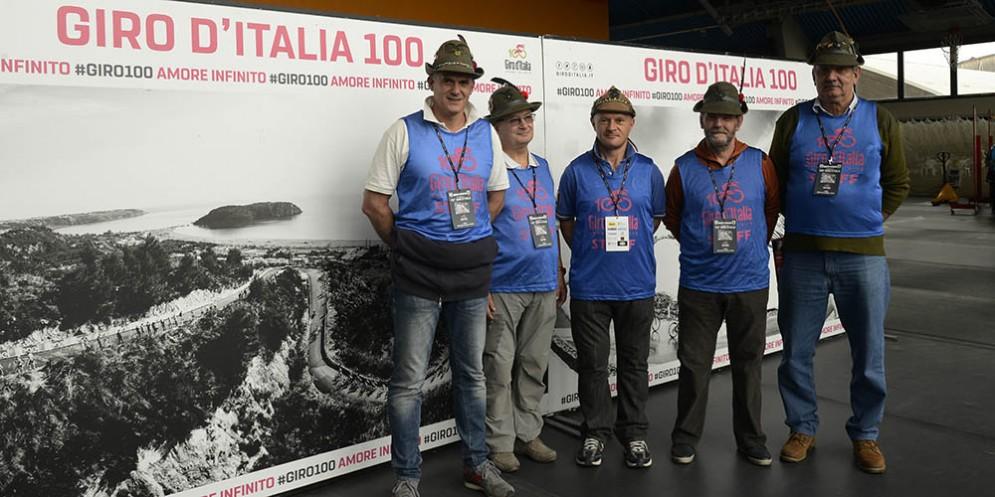 Giro d'Italia: gli alpini di Villotta di chions lungo il percorso