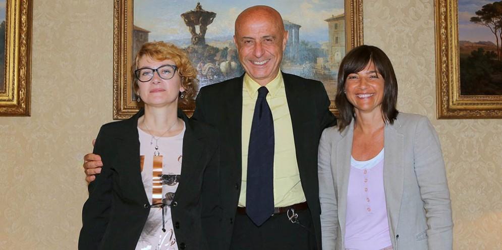 Linda Tomasinsig (Sindaco Gradisca d'Isonzo), Domenico Minniti (Ministro Interno) e Debora Serracchiani (Presidente Regione Friuli Venezia Giulia)