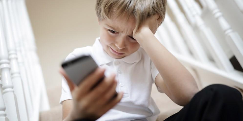 Il Cyberbullismo coinvolge il 42% dei ragazzi: l'indifferenza alla base della diffusione del fenomeno