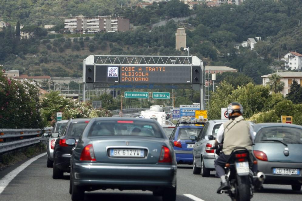 Controesodo, traffico intenso sulle autostrade liguri per il rientro dal ponte