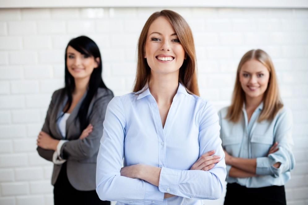 Finanza: sempre più donne investono, ma la propensione al rischio resta bassa