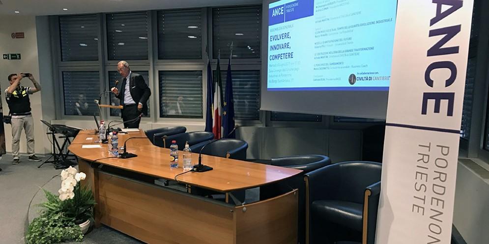 Sergio Bolzonello (Vicepresidente Regione FVG e assessore Attività produttive, Turismo e Cooperazione) all'assemblea dell'Associazione Nazionale Costruttori Edili (ANCE) di Pordenone e Trieste