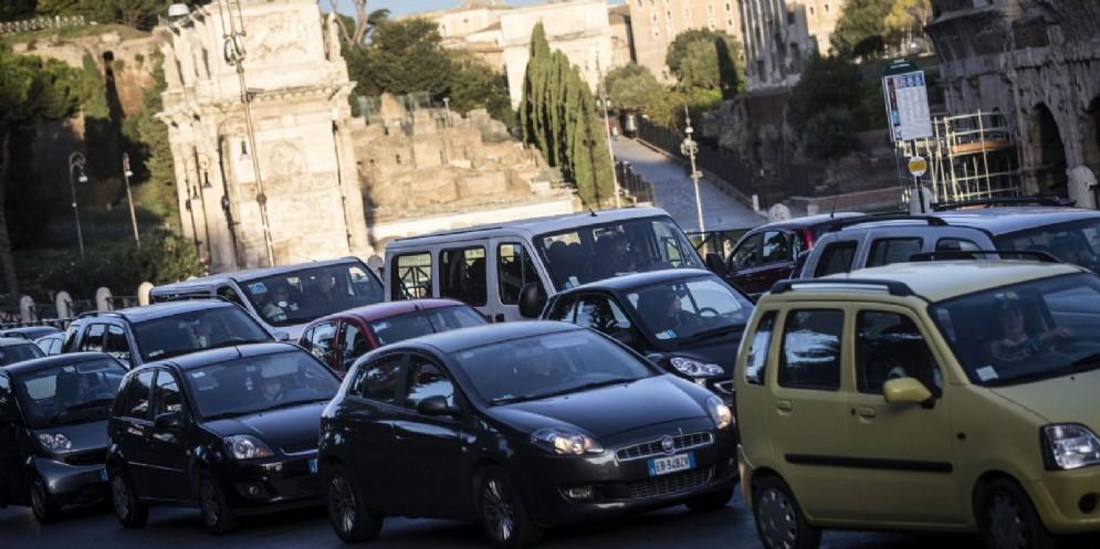 In Italia circolano più automobili che nella maggior parte degli altri Paesi