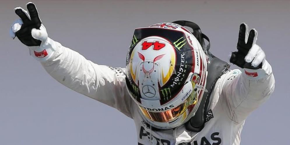 Vettel è mostruoso, Hamilton di più: Lewis centra la pole in Canada ed eguaglia Ayrton Senna