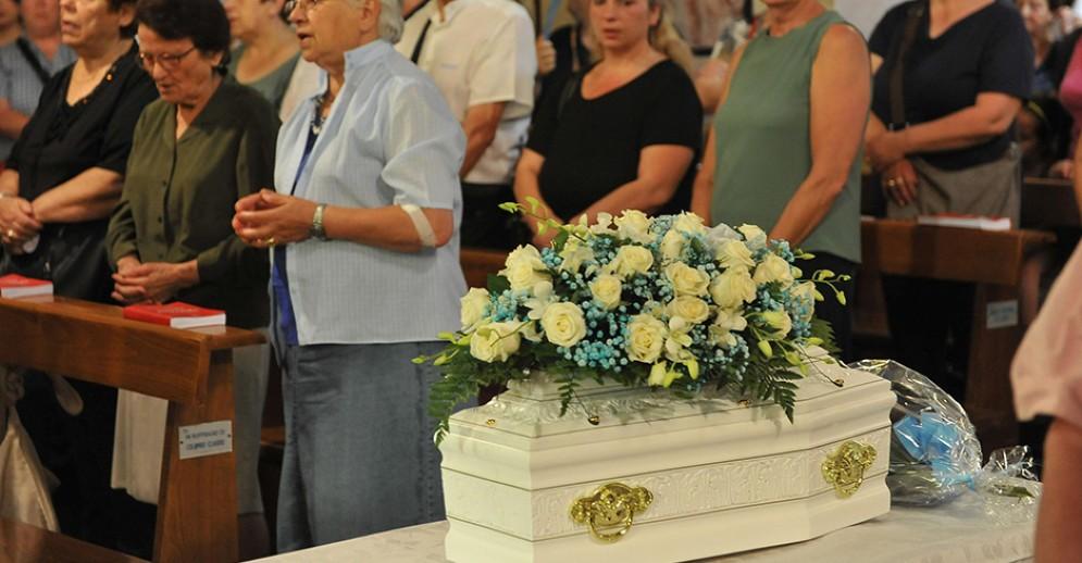 Funerale del neonato del piccolo Giovanni