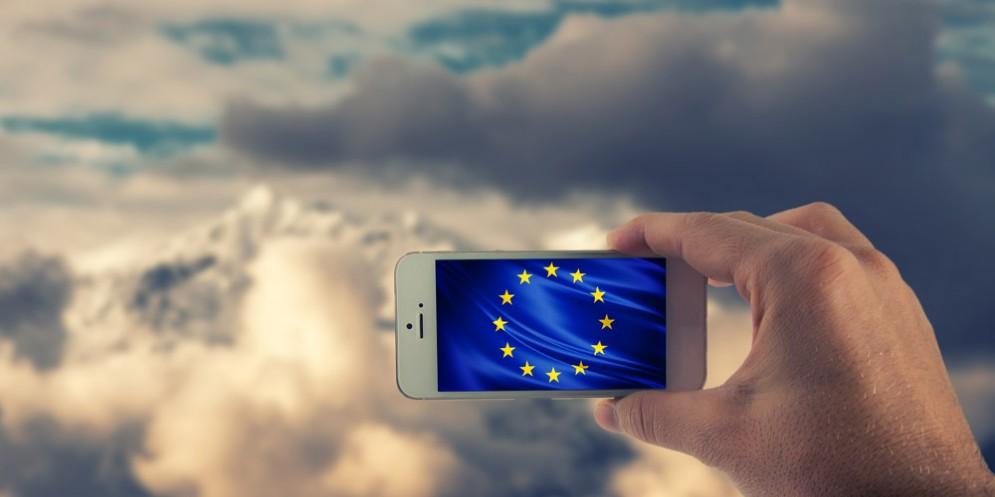 'Roam like at home': Oggi arriva lo stop al roaming in Europa