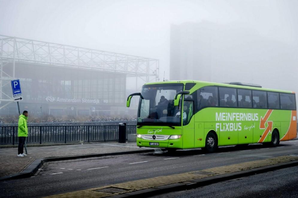 La norma anti-FlixBus è legge, stop ai bus low cost (di nuovo)
