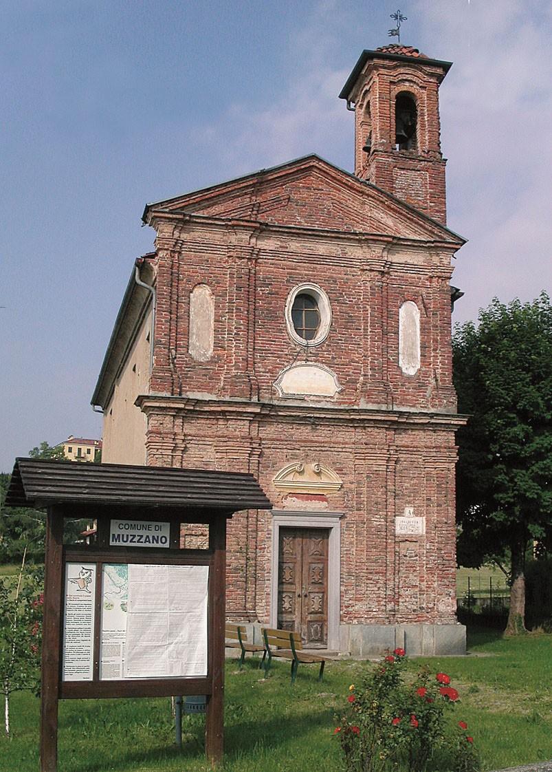 La chiesetta di Muzzano, prima tappa dell'iniziativa DocBimbi (Foto di Roberto Favario)