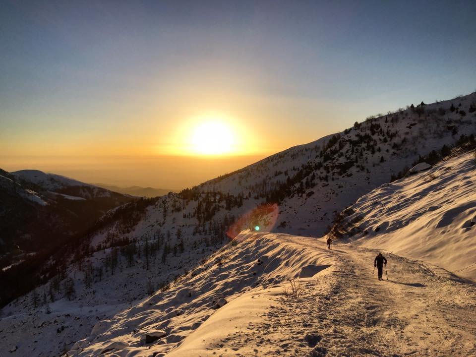 Alba invernale in Valle Oropa