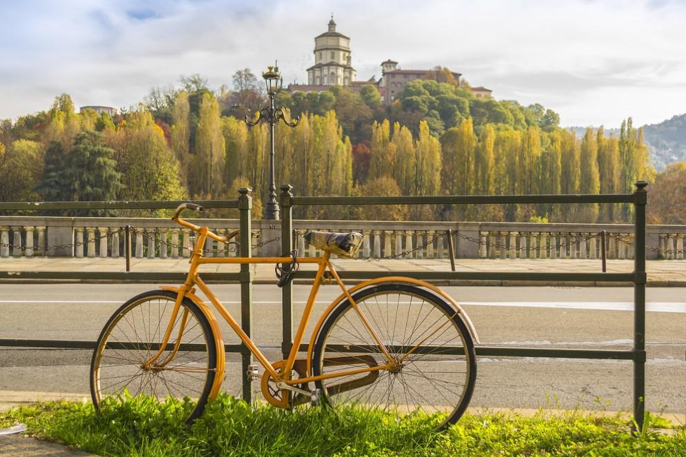 «Torino D'Autore» la visita della città in bici