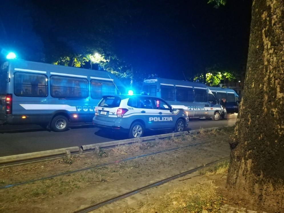 La polizia in corso Regina Margherita