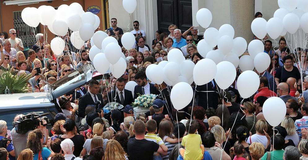 I funerali del piccolo ucciso a Settimo Torinese