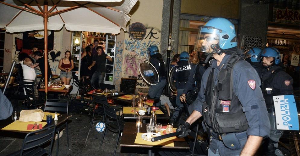 Gli scontri in via Giulia di Barolo, nel cuore di Vanchiglia
