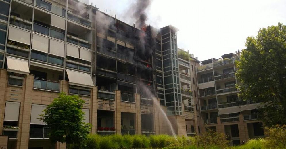 Incendio in via Martiri della Libertà