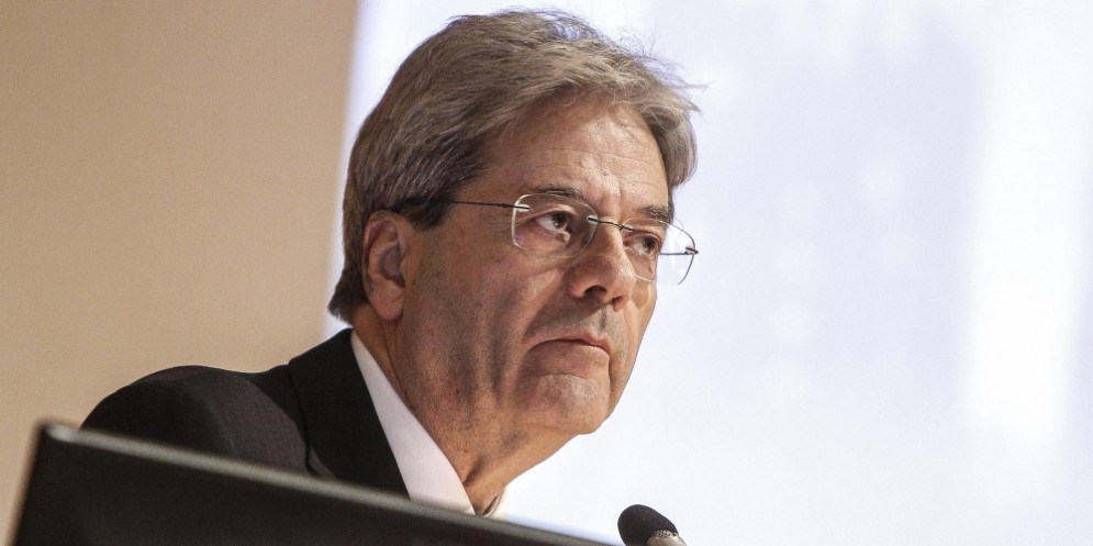Il premier, Paolo Gentiloni, ha letto i dati sull'aumento del divario tra il Nord e il Sud del Paese.