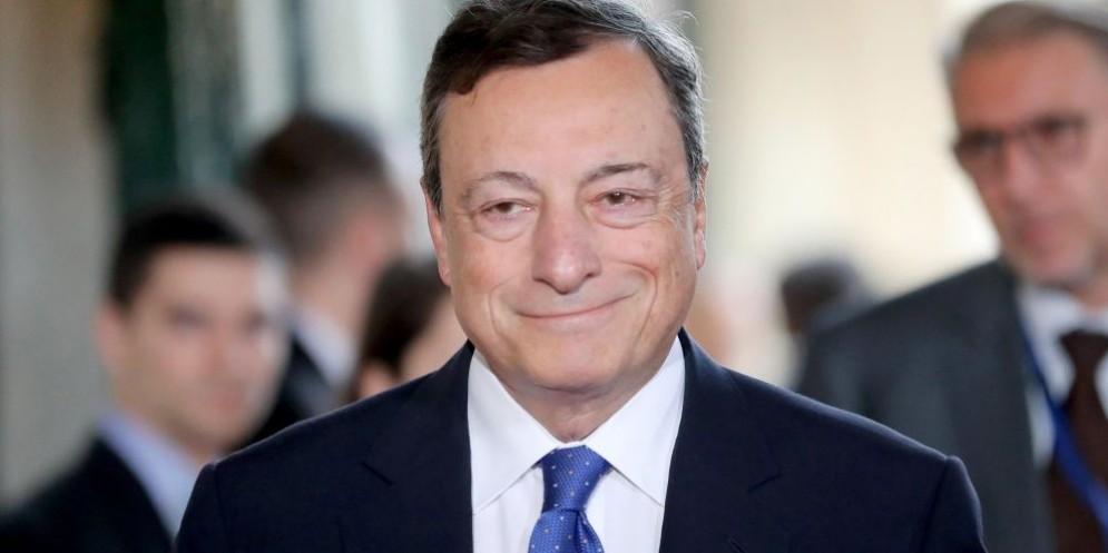 Il banchiere centrale Mario Draghi è intervenuto al Forum delle banche centrali a Sintra.