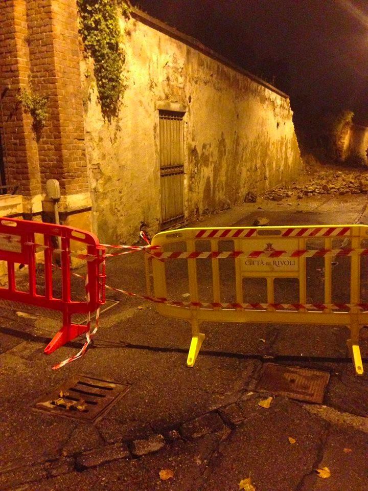 A Rivoli strade chiuse per crolli improvvisi