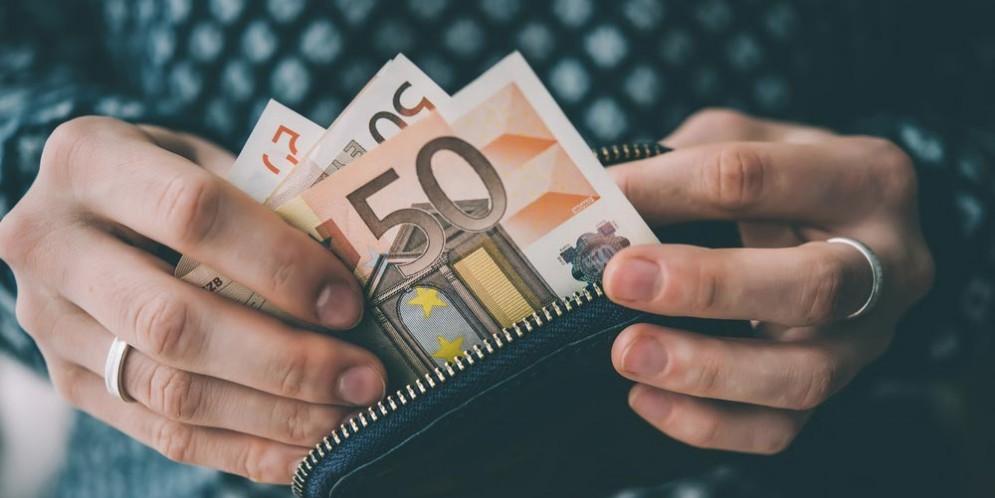 Elettricità e gas, quanti euro dobbiamo spendere