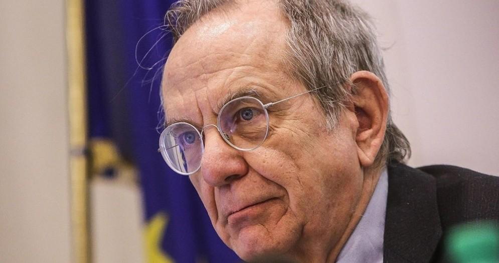 Il ministro dell'Economia, Pier Carlo Padoan, è intervenuto sul caso Monte Paschi Siena.