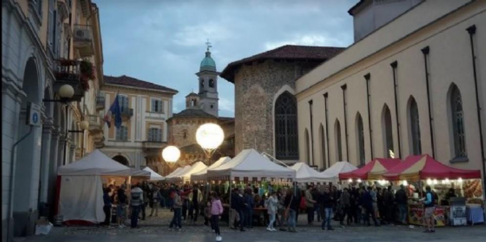 «Shopping sotto le stelle» a Biella