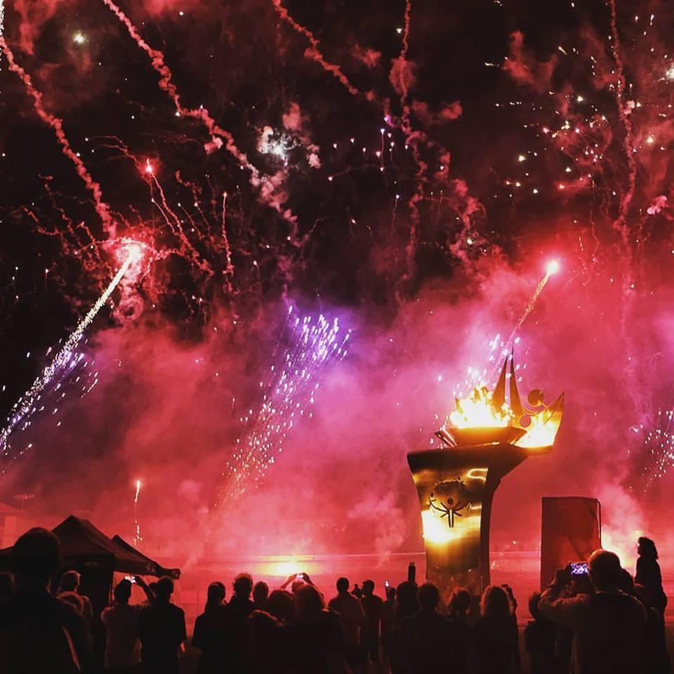 Gli spettacolari fuochi d'artificio durante la cerimonia di apertura