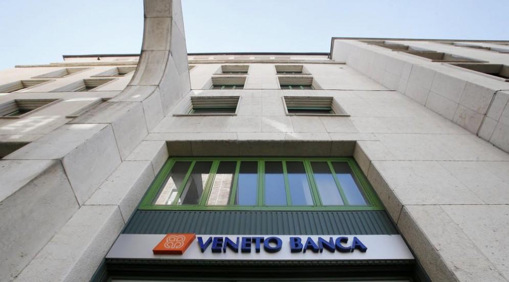 Mille dipendenti della Popolare di Vicenza e Veneto Banca perderanno il lavoro a ottobre.