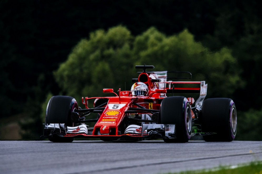 Sebastian Vettel leader del terzo turno al Red Bull Ring