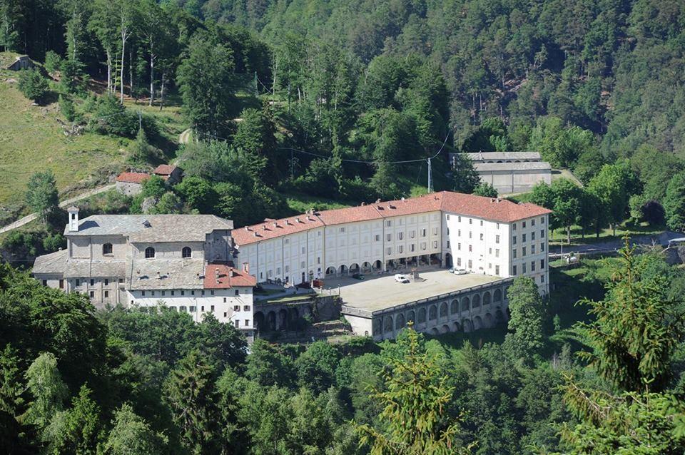 Vista dall'alto del Santuario di San Giovanni d'Andorno