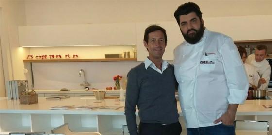 Luca Roveda in compagnia di Antonino Cannavacciuolo. Tanti sono i brand e i personaggi che stanno sperimentando Roveda lab