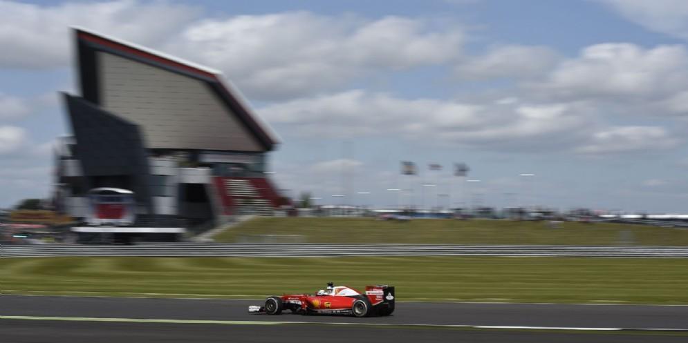 Sebastian Vettel in pista a Silverstone nel GP di Gran Bretagna dell'anno scorso