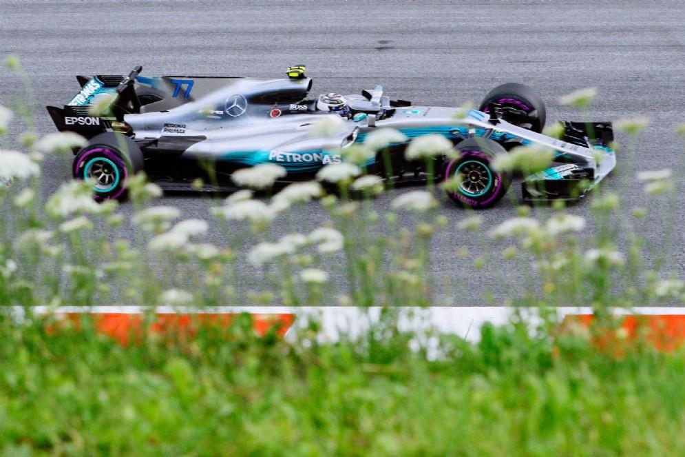 Bottas in pista con la sua Mercedes al Red Bull Ring