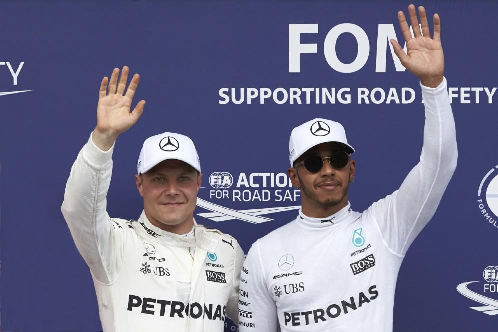 I due compagni di squadra Valtteri Bottas e Lewis Hamilton